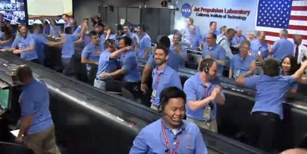 Explosion de joie à 7h32 (heure de Paris) à la NASA
