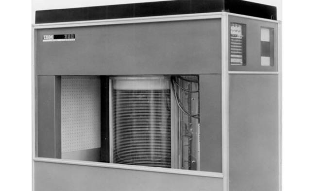 L'unité de stockage 350 de l'IBM 305 RAMAC en 1956