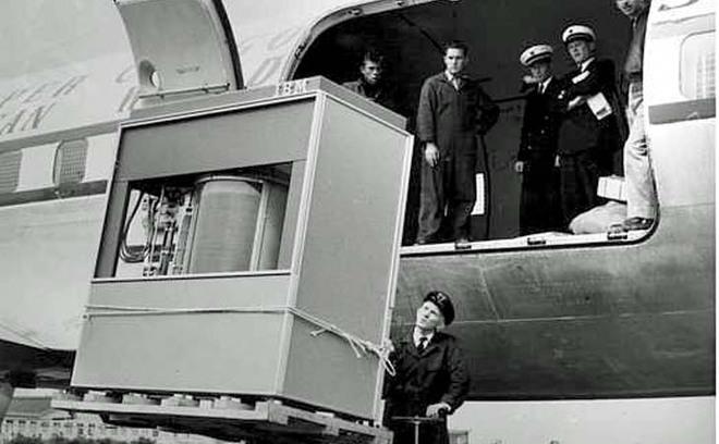 Une livraison dans les années 50 de l'IBM RAMAC