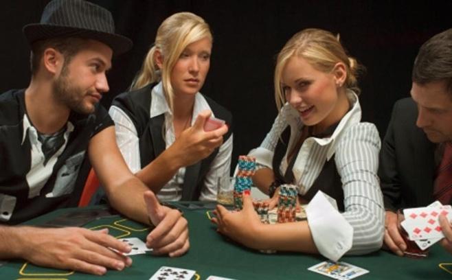 Une solution Big Data pour traquer la fraude dans une salle de Poker en ligne