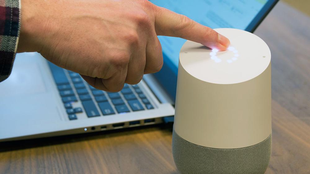 L'analyse de données contrôlée par la voix : possible grâce aux assistants intelligents ?
