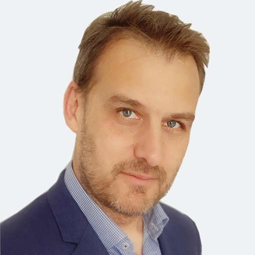 Stéphane Kirchacker, Vice-Président Sales, EMEA, Chez Sinequa