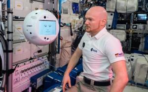 Les premiers pas de CIMON, alimenté par l'IA, en tant qu'assistant des astronautes